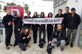 Protesta de los trabajadores de Liquid Media, la contrata de informativos de IB3