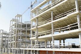 El Govern legalizará edificios inacabados durante la crisis para destinarlos a VPO