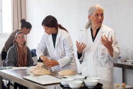 El Consell enseña las especiales condiciones del pan de 'xeixa'