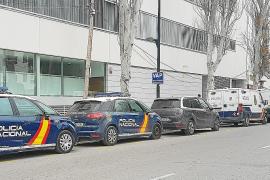Un año de cárcel por reventar un taxi para robar un móvil y 50 €