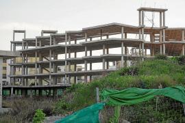 Sant Josep estudia convertir en VPO el hotel de Punta Xinxó a través del decreto del Govern