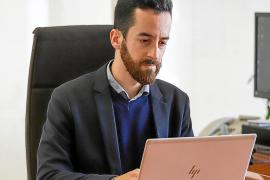 Javier Torres: «Me parece interesante la idea de crear un taxi insular que dependa del Consell»