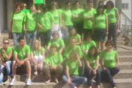 El colectivo 'Professorat Preocupat' lucirá desde este viernes camisetas verdes para mostrar su rechazo a los recortes