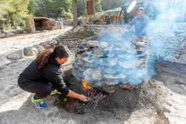 La 'sitja' vuelve a calentar Santa Agnès