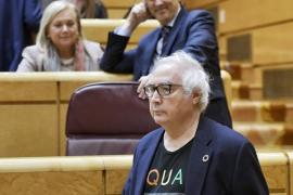 Críticas al look informal del ministro de Universidades para ir al Senado