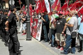 El Govern retrasa la subida de sueldo de sus 30.317 funcionarios e irrita a los sindicatos