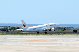 Varapalo a la conectividad aérea después de que el PP rechace  por el momento pedir el servicio público con Madrid