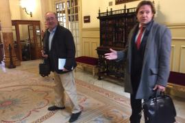 Los diputados de Vox han abandonado el Parlament por precaución