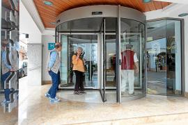La cancelación de los viajes del Imserso afecta a 3.500 plazas semanales en Ibiza