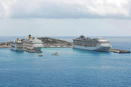 Dos cruceros piden escala en Ibiza para evitar puertos italianos