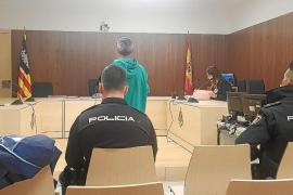 Condenado por agredir a su exmujer unas horas después de imponerle una orden de alejamiento