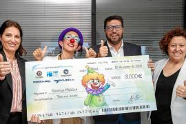 3.000 euros para seguir regalando sonrisas a los niños ingresados en el hospital Can Misses