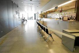 Imagen de ayer de la zona de recepción del centro de salud de Vila