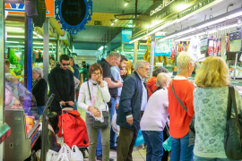 Ibiza y Formentera afrontan este sábado con supermercados saturados y cierres de establecimientos