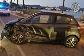 Triplica la tasa de alcohol y huye tras colisionar contra otro vehículo en Sant Antoni