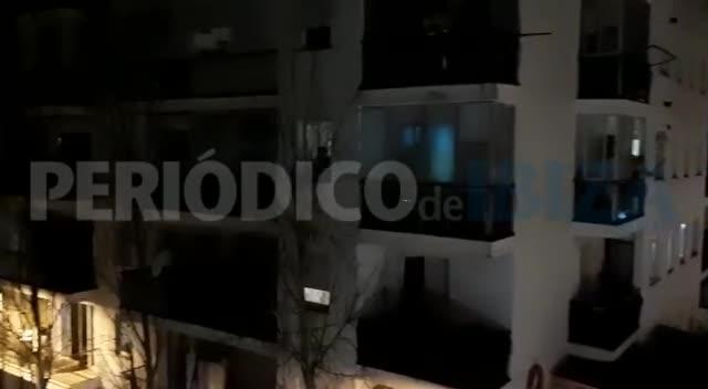 Los niños, convocados a gritar desde los balcones de sus casas