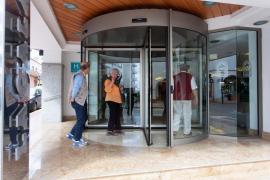El Gobierno impone el cierre de los hoteles y alojamientos turísticos en el plazo de una semana