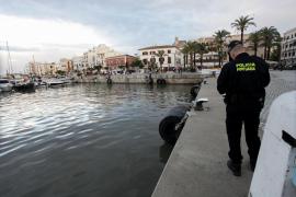 Denunciados por dos veces la tripulación de un yate que pretendían desembarcar en Ibiza y Formentera