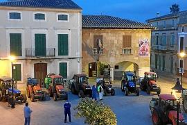 Los tractores luchan contra el virus en Santa Maria