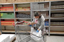 Cáritas alerta de que tiene provisiones de alimentos solamente para un mes