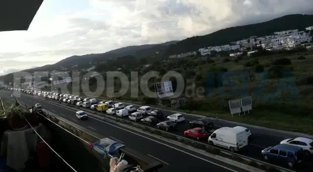 Colapso en la carretera de Sant Antoni en pleno estado de alarma