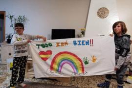 Alumnos de los colegios Venda d'Arabí y Sant Carles envían mensajes de ánimo