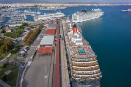 La contaminación del puerto de Palma baja un 42 por ciento por la caída del tráfico marítimo