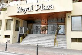Sindicatos y hoteleros solicitan una renta básica para fijos discontinuos y eventuales