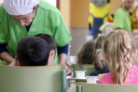 Los centros educativos de Ibiza repartirán más de 200 tarjetas prepago de comedor