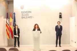Fina Santiago, Pilar Costa y Marc Pons