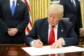 Trump pide prohibir la exportación de material médico para combatir el coronavirus