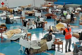 Más de 50 personas pasan el confinamiento en el polideportivo de sa Blanca Dona