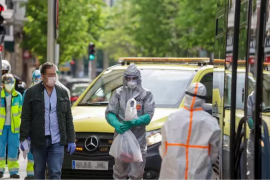 Los casos por coronavirus en España se elevan a 135.032 y a 13.055 fallecidos, pero continúan en descenso