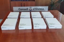 El Consell entrega ocho tablets al hospital Can Misses para que los usuarios contacten con sus familias