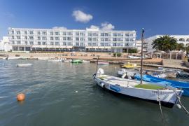 El Hotel Simbad se suma a la ola de solidaridad y dona material a Can Misses