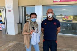 Bomberos sin Fronteras reparten material de protección para los sanitarios de Ibiza y Formentera