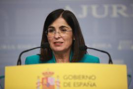 La ministra Carolina Darias anuncia que después de 30 días ha superado el virus