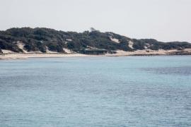 La isla de Ibiza desierta durante el Viernes Santo, en imágenes .