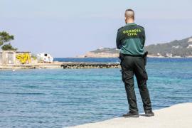 La Guardia Civil investiga la muerte de un joven hallado flotando en Cala de Bou