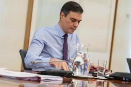 Sánchez se responsabiliza de la «insuficiencia» de material sanitario