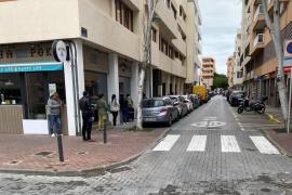 Largas colas ante Cáritas de Ibiza