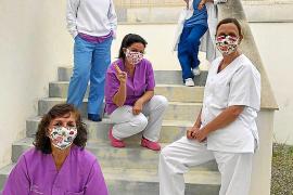 Las mascarillas de Estela que dan «vidilla y colorido»