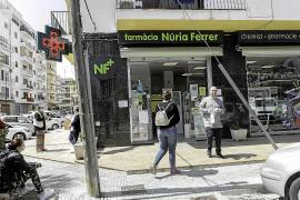 «El Gobierno debería repartir los artículos frente a las farmacias y no en el Cetis»