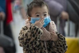 Los niños menores de 8 años no deben llevar mascarillas para evitar contagiarse por coronavirus
