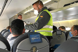 Denuncian a Iberia y Air Europa por no respetar las distancias en sus aviones