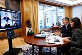 Los Reyes en videoconferencia con Nadal, Gasol y Alonso