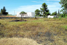 Denunciado un vecino de Sant Josep por una quema que se descontroló