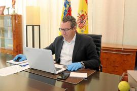 Toni Pérez, alcalde de Benidorm: «Abrir ahora generará insatisfacción; nos arriesgamos a contagios y después no habrá ERTE, sino despidos»