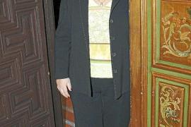 Cava de Llano deja el cargo de Defensora del Pueblo