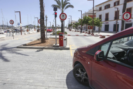 APB corta el tráfico del tramo de las barcas de Formentera y la fachada marítima para pasear